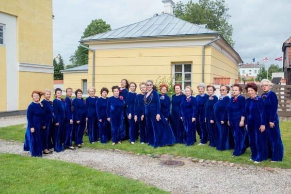 Sieviešu kora Slavjaņe foto